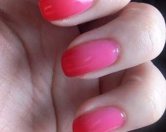 ALMODOVAR Thermal creme 5-free nail polish