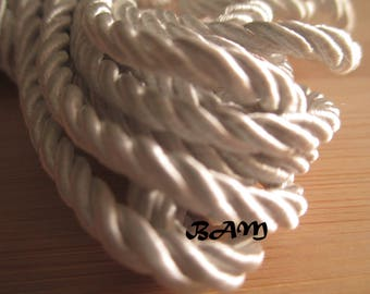 5 Metters white staine twisted cord