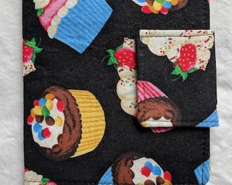 Mini Crayon Art Folio- Cupcakes