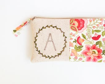 Baby Shower Hostess Gift, Clutch Bag, Personalized Gift, Gifts for Mom from Daughter, Thank You Gift, Floral Monogram, Unique Gifts