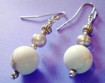 White Agate Pearl Drop Earrings, Chic Modern Style, Gemstone Earrings, 1 Inch