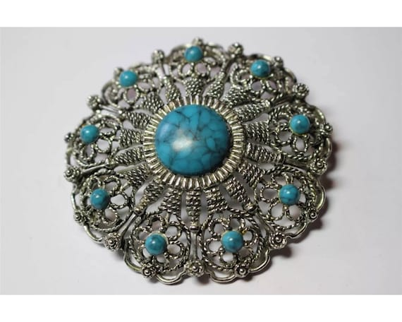 Large Round Southwestern Styled Costume Jewlery Brooch Western Detailed Silvertone with Faux Turquoise Gem Stones Trendy Boho Cowgirl