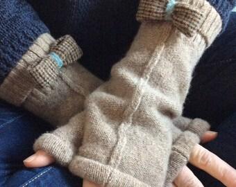 gloves,fingerless gloves,texting gloves,soft,cozy,eco friendly gift,repurposed sweater,tan,light brown,beige,wool bow,handmade ooak