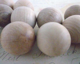 Round Wooden Balls  - NO HOLE - Natural - 20mm - Pack of 20