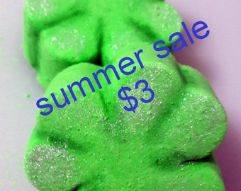 SUMMER SALE lucky Shamrock Bath Bomb Fizzy (handmade, moisturizes, naturally exfoliates, aromatic) Stardust Soaps