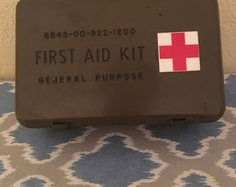 Rare antique first aid kit 40s- 50s