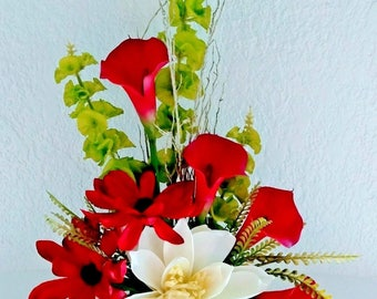 Calla lily and lotus table centerpiece