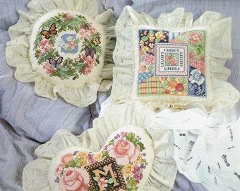 CROSS STITCH PATTERN  - Decorator Pillows Counted Cross Stitch - Flower Monogram Pillow Cross Stitch - American School of Needlework #3549