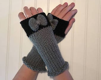 Adorable Knit Fingerless Gloves in Grey and Black with Gray Bow