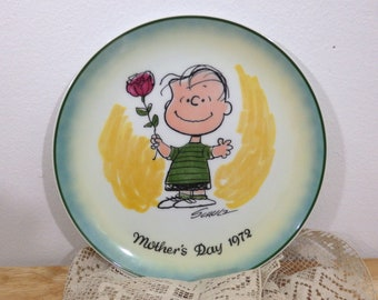 Peanuts Plate Mother's Day 1972 (70's Charles Schultz comic newspaper Linus vintage wall collector collection mom gift mommy rose green blue