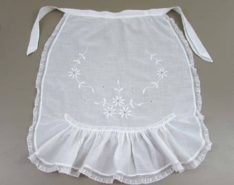 Vintage handsewn Apron - white work apron - old lace and embroidery - Edwardian - Deco