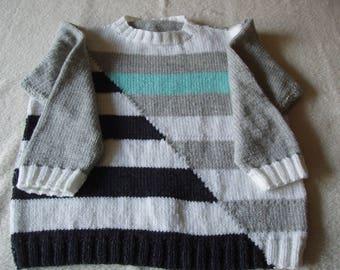 Graphic stripes sweater