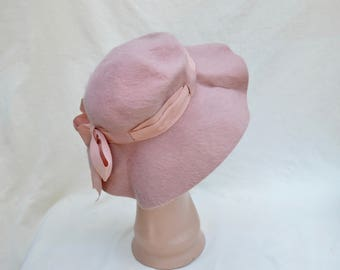 Vintage Pink Llamasene Wool Felt Henry Pollak New York Hat From 1950's / Vintage Pink Felt Small Brim Hat With Bow / Vintage Pink Fellt Hat