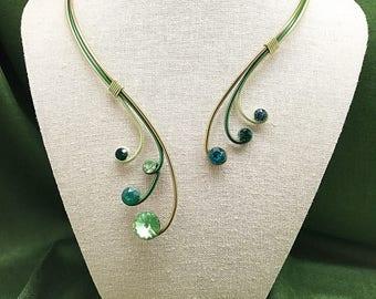 Green aluminium necklace with green Swarovski crystal