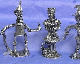 Wizard of Oz Collectible Figures. Dorothy and Toto, Tinman, Lion and Scarecrow