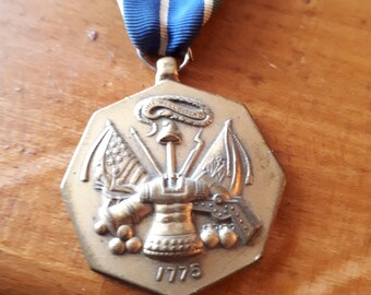 US Army Medal Military Achievement Bronze 1775 Vintage Birthday Veterans