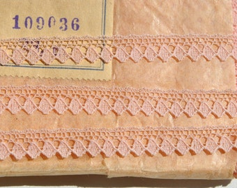 suberb vintage 1950s pink picot valenciennes all cotton lace trim made in France 3 meters