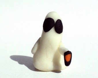tinytotem glow ghost with lantern