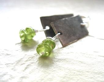 Boucles d'oreilles péridot, Pierre péridot ferronnerie main pendantes boucles d'oreilles, bijoux de pierres précieuses, péridot