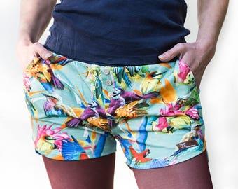 """Hot pants """"colorful birds"""" shorts cotton"""