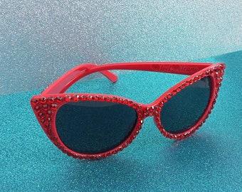 VIXEN Cat Eye Sunglasses, Red Cat Eyes, Red Sunglasses, Retro Sunnies, Pin Up Rockabilly, Vintage Sunglasses, Rhinestone Eyewear, 50s Style