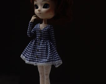 V-neck longsleeve plaid dress by Atelier Milabrocc for 1/6 scale dolls Obitsu 27 Pullip Blythe Azone