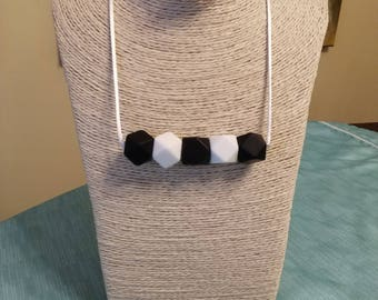 Teething- Black and White silicone teething necklace