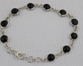 Silver Round Link Bracelet with Small Dark Brown Glass Stone Settings Simple Modern Design