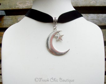 Moon Velvet Choker, Gothic Choker, Crescent Moon Jewelry, 16mm Black Velvet Choker