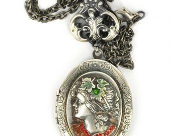 Locket Silver plated brass pendant Vintage locket lady locket Open Photo medallion Victorian locket Green Red swarovski