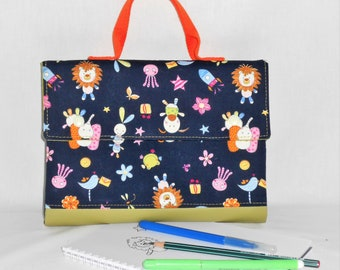 cover drawing / suitcase/birthday/kindergarten/Kit pencil drawing / artist case