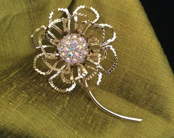 Vintage Mod 60's Flowered Brooch,Sarah Coventry,Allusion Brooch