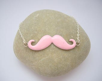 Women in the shape of moustache necklace - pink color