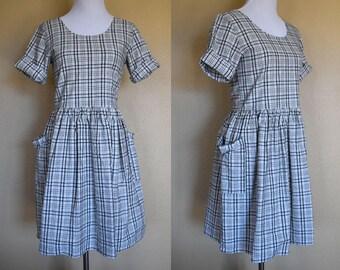 Checked Day Dress / Vintage Day Dress / Vintage Dress with Pockets / 60s Dress / 1960s Dress / Folk Dress / Boho Dress / Small Medium