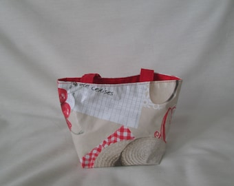 Bag child fruits in oilcloth