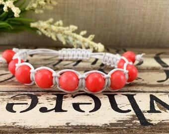 Pêche Bracelet en cuir macramé corail, gemme Orange rose Bracelet, Bracelet cuir Boho pour femme, cadeau d'anniversaire pour elle