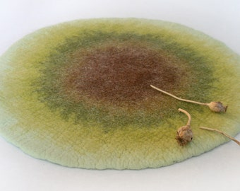 Two sided Felt Mat, Throw Rug, Wool Pad - Green Circle - Crisp Modern Minimalistic Design for Nursery, Baby, Bathroom, Bedroom, Pet