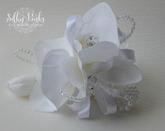 White Wrist Corsage, Wrist corsage bracelet, Wedding Corsage, Prom Corsage, Mother of the Bride Flower