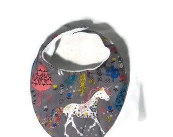 Bavoir bandana taille naissance en coton motifs Licorne