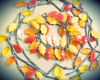 Perfect for Fall Autumn Season ~Vintage 1960's jewellery set demi parure~Lucite Leaf in autumnal hues, gold tone chain, necklace, bracelet