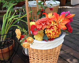 Wicker basket on wheels - Shopping trolley - Shopping cart - Store your knitting project - Please READ before purchasing