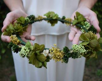 Green preserved flowers crown