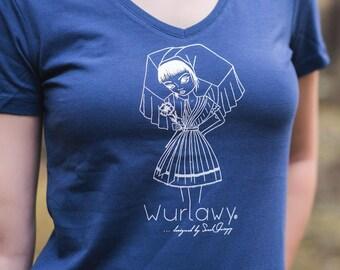 Wurlawy Tshirt, in blau mit weißen Siebdruck, Spreewälderin mit Blume