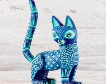 A1329 Cat Alebrije Oaxacan Wood Carving Painting Handcrafted Folk Art Mexican Craft