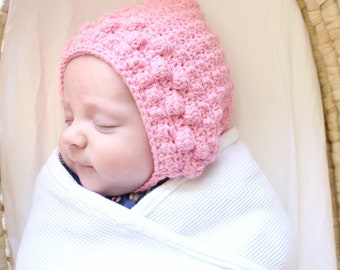 PDF crochet pattern - newborn photo prop - newborn crochet bonnet - 'berry bonnet' digital download