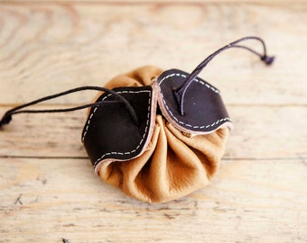 MEDIEVAL LEATHER PURSE // Beige leather coin wallet // Mens coin purse wallet // Small Leather coin bag // Leather change purse