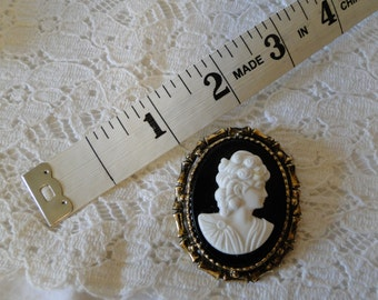 vintage cameo brooch pin black and white