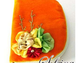 Orange Cream Needle Case | Hand-Embroidered Flower and Vine Details | Mint Green Interior | Jewelry or Earring Case Wallet | Sewing Storage