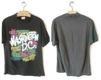 Washington D.C. shirt size Large worn in black Smithsonian Capitol Memorial Tourist sites