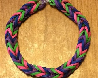 Fishtail Rainbow Loom Rubber Bracelet (Navy Blue/Purple/Green/Pink)